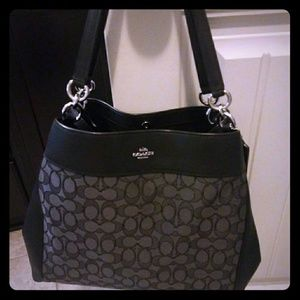 Nwot logo Coach purse make offer $389